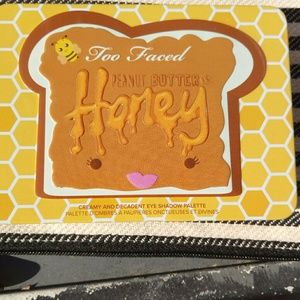 Too faced peanut butter and honey pallette